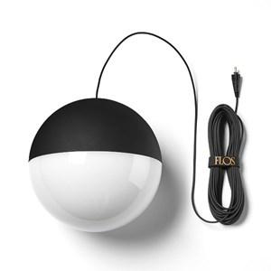 Flos-String-Lights-Sphere-loftlampe-Elministeren.jpg